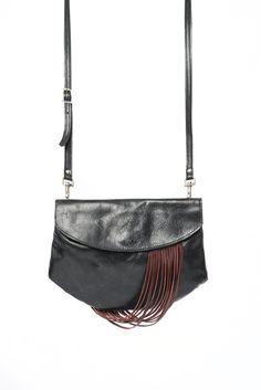 Black leather purse, black leather bag, handbag, small purse, pouche, leather fringe bag, evening bag, clutch bag, crossbody bag, handmade de la boutique VEINAGE sur Etsy