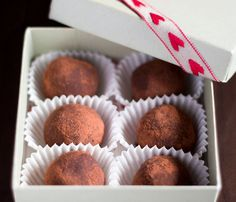 Indulgent vegan chocolate truffles with dark chocolate and coconut milk with the option of adding nutmeg, cinnamon, orange juice and chili powder.