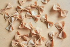 CHICKPEA AND FLAXSEED HOMEMADE PASTA (VEGAN, GLUTEN-FREE)  | INGREDIENTS: 2 tablespoons ground flax seed 6 tablespoons warm water 1-3/4 cup chickpea flour (plus more for rolling)   - 01.21.2016