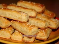 Bryndzové tyčinky • Recept   svetvomne.sk Christmas Snacks, Christmas Baking, Pastry Cutter Wheel, New Years Eve Snacks, Cheese Sticks Recipe, Sheep Cheese, Fingerfood Party, Party Finger Foods, Baking Tins