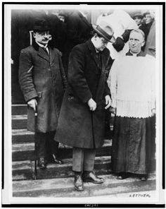 Ireland Pictures, Old Pictures, Old Photos, Ireland 1916, County Mayo, Irish People, Michael Collins, Ireland Homes, Irish Eyes