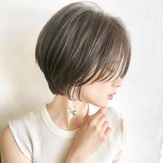 Long bangs & & # Handsome Bang Cute with a small round face . Asian Hairstyles Women, Cute Hairstyles For Medium Hair, Face Shape Hairstyles, Medium Hair Styles, Korean Short Hair, Short Hair Cuts, Shot Hair Styles, Hair Arrange, Short Bob Haircuts