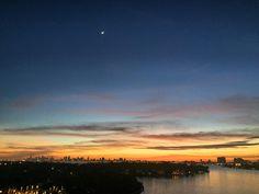#winteriscoming #MiamiBeach #sunset by alejo_carpediem