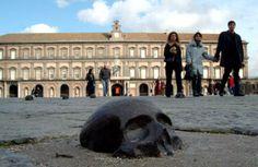 Rebecca Horn, allestimento in piazza del Plebiscito a Napoli