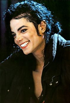 ❤️Michael Jackson ❤️ I have always loved your smile beautiful.the King of Pop❤️❤️❤️ Janet Jackson, The Jackson Five, Michael Jackson Smile, Jackson Family, Lisa Marie Presley, Hanne Haller, Rodrigo Teaser, Elvis Presley, Invincible Michael Jackson