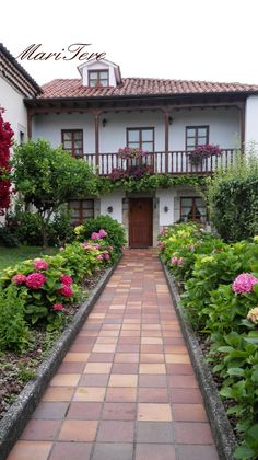 Colombres ( Asturias ) Tuscan Style Homes, Mediterranean Style Homes, Spanish Style Homes, Spanish House, Brick Walkway, House On The Rock, Hacienda Style, New House Plans, New Home Designs