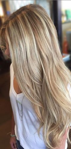 Schöne Frisuren für Blonde Haare - Peinados y pelo 2018 para hombre y mujeres Cool Blonde Hair, Long Blond Hair, Long Blonde Hairstyles, Brown Hairstyles, Layered Hairstyles, Latest Hairstyles, Blonde Hair For Summer, Dying Hair Blonde, Neutral Blonde Hair