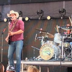 Jon Pardi Country Music Artists, Country Music Stars, Country Singers, Jon Pardi, Cute Country Boys, Cowboys, Eye Candy, Handsome, Animals