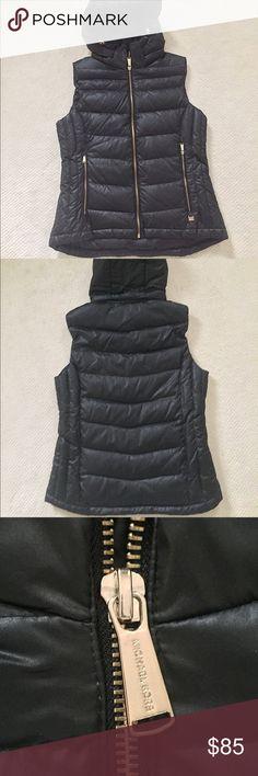 Michael Kors Down Vest NWOT 🆕 Michael Kors Feather Down Puffer Vest! Has a detachable hood that zips on. Perfect Condition! Size: Small Michael Kors Jackets & Coats Vests