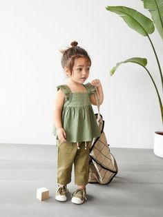 zara kids baby girl retouched by White Retouch. Baby Girl Pants, Girls Pants, Baby Girl Dresses, Baby Dress, Fashion Kids, Baby Girl Fashion, Toddler Fashion, Kids Outfits Girls, Cute Outfits For Kids