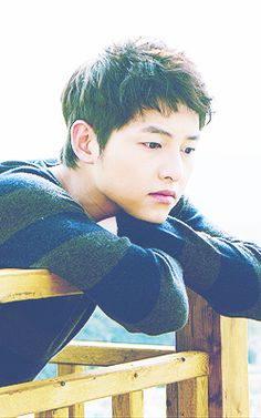 he's just flawless. Descendants, Song Joong Ki Birthday, Soon Joong Ki, Sun Song, Song Daehan, Descendents Of The Sun, Sungkyunkwan Scandal, Songsong Couple, Playful Kiss