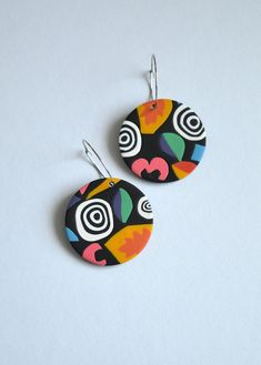 Large hoop earrings in abstract colorful pattern inspired by Stranger Things Vintage statement earrings Handmade polymer clay jewelry – Earrings 2020 Polymer Clay Charms, Handmade Polymer Clay, Polymer Clay Jewelry, Clay Art Projects, Clay Crafts, Diy Clay Earrings, Hoop Earrings, Statement Earrings, Earrings Handmade