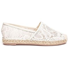 Valentino Garavani lace espadrilles ($505) ❤ liked on Polyvore featuring shoes, sandals, flats, sapatos, kengät, white, white lace shoes, flat pumps, espadrilles shoes and espadrille flats