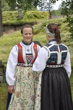 Folk Costume, Costumes, Norwegian People, Norwegian Vikings, Folk Clothing, Tribal Dress, Fashion Sewing, Festival Wear, Ethnic Fashion