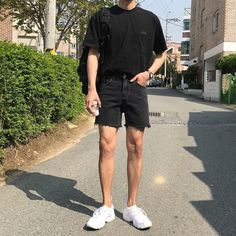 Korean Fashion Trends you can Steal – Designer Fashion Tips Asian Men Fashion, Korean Fashion Trends, Fashion Mode, Fashion Outfits, Emo Fashion, Stylish Mens Outfits, Casual Outfits, Korean Outfits, Retro Outfits