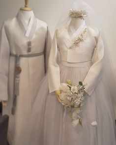 Our haute couture, beautiful The Dan Hanbok. Made just for you, for your special day. Korean Traditional Dress, Traditional Fashion, Traditional Dresses, Hanbok Wedding, Muslimah Wedding Dress, Korean Dress, Korean Hanbok, Plain Wedding Dress, Kebaya Modern Dress