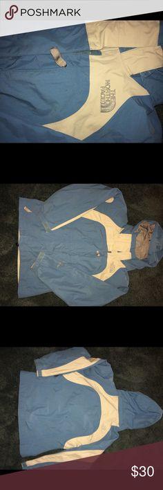 Girls northface jacket Awesome condition, detachable hood northface Jackets & Coats