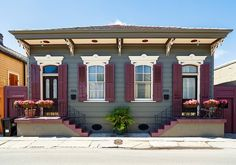 Chicago Bungalow? Baltimore Row House? L.A. Ranch? The 'typical' home varies by city http://on.mktw.net/2bBbt5C