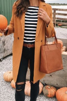 Are Looking for Best Fall Outfits ideas? We have the ultimate guide, with cute fall outfits, casual fall outfits, trending fall outfits, you can and should copy right now! 30 Outfits, Fall Fashion Outfits, Casual Fall Outfits, Fall Fashion Trends, Fall Winter Outfits, Look Fashion, Autumn Winter Fashion, Cute Outfits, Fashion Ideas