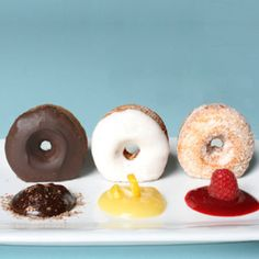 Absolutely amazing plating concept that takes doughnuts for brunch to a whole new level of elegance. Love!
