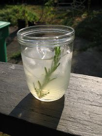 mostly foodstuffs: Sueño (Rosemary-Cucumber Tequila Cocktail)