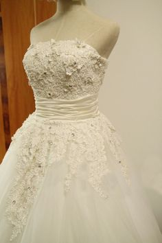 Vintage Retro Tulle Lace Flower Wedding Dress Bridal Gown Tea Length Short Wedding Dress Strapless Ball Gown Dress Plus Size Wedding Dress. $270.00, via Etsy.