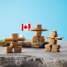 Kids of all ages will have fun making these edible Shreddies Inukshuks. A perfect craft after school, on a rainy day, or at birthday parties. Canada Day Crafts, Shreddies, Art For Kids, Crafts For Kids, Fun Crafts, Canada Day Party, Indigenous Education, Teaching Social Studies, Amazing Race