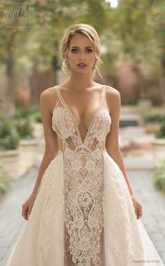 With a feel of glamour and whimsy, we are bringing you the debut of the new Naama and Anat Wedding Dress Collection 2019 : Dancing Up the Aisle. Statement backs and sexy silhouettes make an appearance on every one of these gorgeous bridal gowns. Sexy Wedding Dresses, Sexy Dresses, Bridal Dresses, Beautiful Dresses, Nice Dresses, Hot Outfits, Dress Collection, Gorgeous Women, Marie