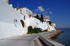 Spetses Adası Greek Islands, Greece, Italy, Adventure, Mansions, House Styles, Places, Travel, Walls