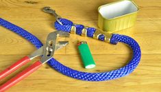 How to Make a Lead Rope for Your Horse. Making your own durable lead ropes for your horse lets you choose the length and colors you want. Make ropes t… Horse Gear, My Horse, Horse Riding, Horse Camp, Riding Gear, Trail Riding, Equestrian Outfits, Equestrian Style, Equestrian Fashion