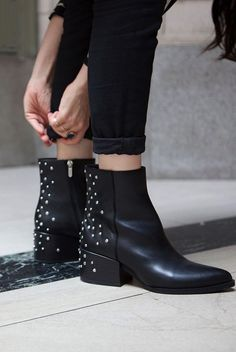 Black leather studded chelsea boots // classic timeless style = sustainable fashion #LookGoodDoGood