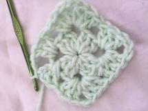 How to Crochet a Classic Granny Square: Slip Stitch to Close