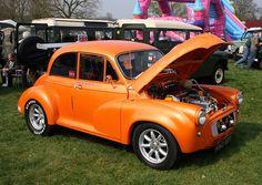 A 1960 Morris Minor, similar to Roger's car.