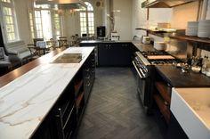 New Kitchen Floor Tile Slate Herringbone Pattern Ideas Slate Kitchen, Kitchen Tiles, Kitchen Colors, Kitchen Flooring, New Kitchen, Kitchen Redo, Kitchen Cabinets Decor, Kitchen Decor Themes, Kitchen Interior