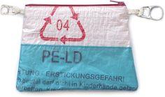 Pung syet af plastikpose. Fra Sofie Meedoms hæfte »Små tasker« fra Forlaget Vingefang