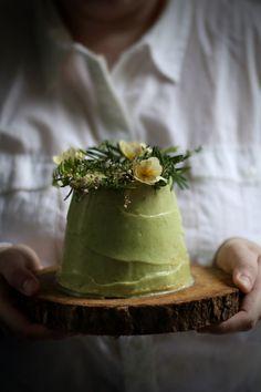 vegan angel food cake with avocado lime frosting (aqua faba)