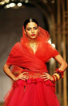 #Azva necklaces that steal the show, make #BeautifulBrides even more so!  #AzvaAtIBFW #Mumbai #Jewellery