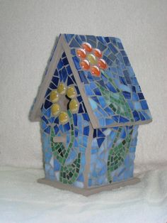 Showcase your art glass projects. Mosaic Birdbath, Mosaic Garden Art, Mosaic Diy, Mosaic Crafts, Mosaic Ideas, Stained Glass Designs, Stained Glass Projects, Mosaic Designs, Stained Glass Patterns