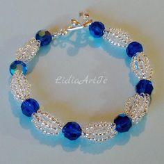 Simple y elegante de pulsera con cristales de Swarovski.