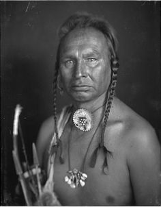 Портрет White Man Runs Him, Кроу. Коллекция Richard Throssel. Дата: 1902-1933. Университет Вайоминга. American Heritage Center.