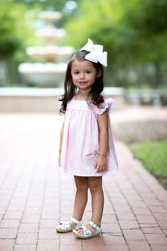 The Claire Bloomer set in pink pique and eyelet lace is adorable. It is finished off with the most precious white flower buttons. Fashion Kids, Little Girl Fashion, Toddler Fashion, Preppy Toddler Girl, Toddler Girl Outfits, Kids Outfits, Toddler Girls, Cute Little Girls Outfits, Cute Fall Outfits