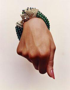 Vintage Jewelry: Hiro for Vogue, Bracelet by David Webb. Jewelry Box, Jewelry Accessories, Fine Jewelry, Jewelry Design, Photo Jewelry, Jewelry Ideas, Fashion Accessories, Bling Bling, Bracelet Chanel
