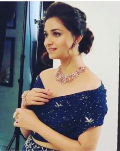 Mana Keerthy Suresh: Keerthy Suresh in Blue with Cute Smile in AVR Jewellers Ad Shoot Images South Indian Actress Hot, Most Beautiful Indian Actress, Cute Girl Poses, Cute Girls, Lovely Smile, Indian Wedding Jewelry, Dress Indian Style, Beautiful Girl Image, India Beauty