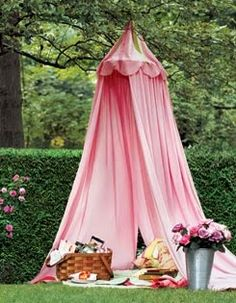 Picnic in a pretty pink tent. Hanging Tent, Fru Fru, Pink Garden, Al Fresco Dining, Everything Pink, Plein Air, My Favorite Color, Pretty In Pink, Diy Projects