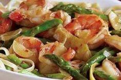 Hot Garlicky Shrimp with Asparagus and Lemon