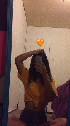 Menina tumblr sozinha Snapchat Selfies, Snapchat Girls, Snapchat Picture, Instagram And Snapchat, Snapchat Icon, Snapchat Ideas, Tumblr Photography, Girl Photography Poses, Cool Girl Pictures