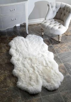Hand Made Quarto Luxe Sheepskin Rug in Natural design by Nuloom