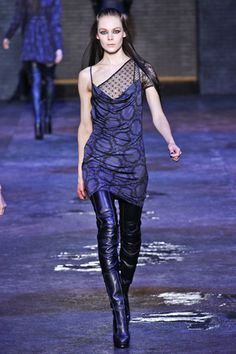 Versus Versace Fall 2012 Ready-to-Wear Collection Slideshow on Style.com