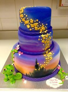 This one goes out to my granddaughter Parker❤️ … Cassiopée Designs - Birthday Cake Flower Ideen Pretty Cakes, Cute Cakes, Beautiful Cakes, Amazing Cakes, Rapunzel Torte, Bolo Rapunzel, Rapunzel Cake Ideas, Rapunzel Cupcakes, Rapunzel Birthday Party