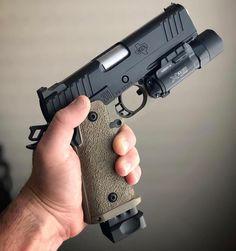 RAE Magazine Speedloaders will save you! Revolver, 1911 Pistol, Tactical Life, Tactical Gear, Weapons Guns, Guns And Ammo, Armas Ninja, Combat Gear, Shooting Guns